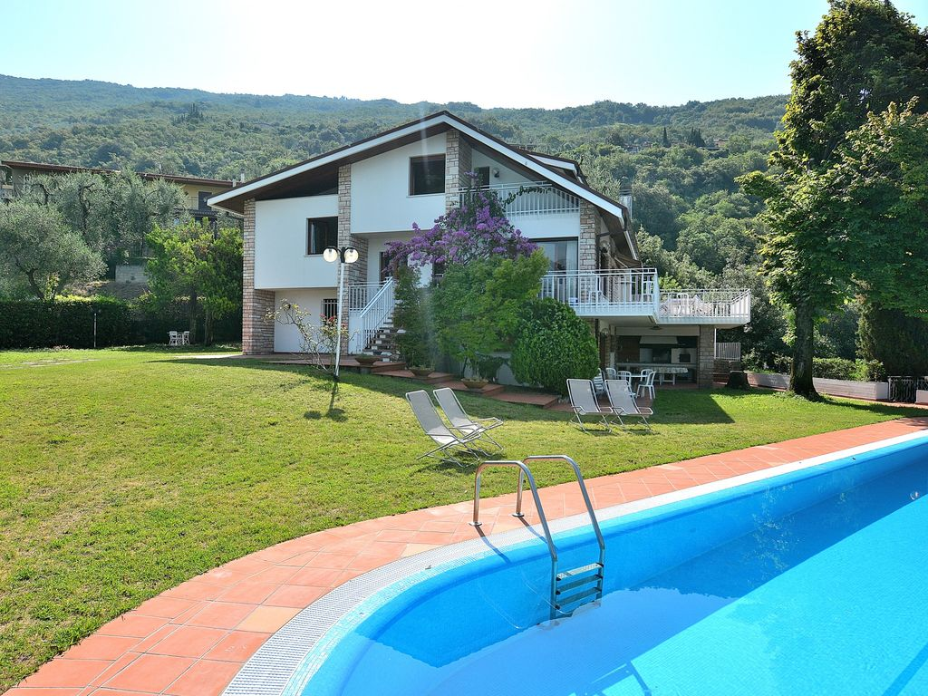 Ferienhaus Gardasee Mit Pool Privat Villa Gina With Pool Villa For 12 People In Torri Del Benaco Torri Del Benaco