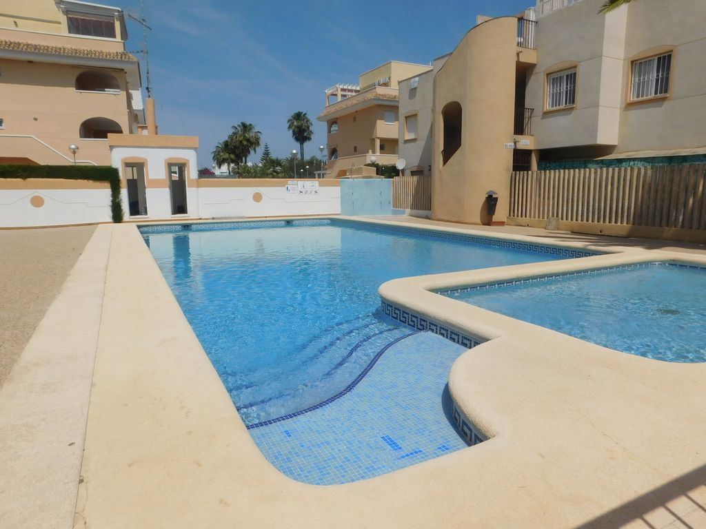 Bungalow Con Piscina Bungalow En Residencial Con Piscina Bungalow For 4 People In Denia Dénia