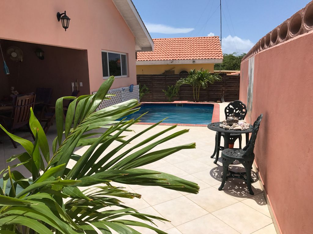 Kubik Haus Fantastic Villa In A Quiet Central Location Near The Beach By Car Jeep Curaçao