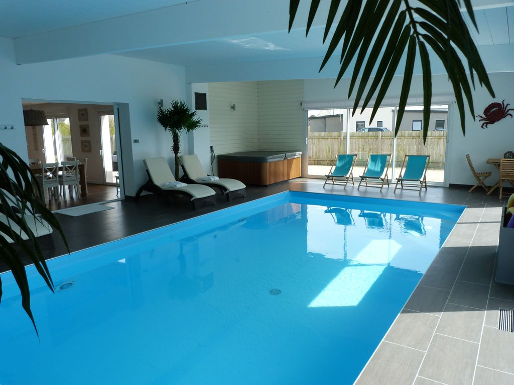 Jacuzzi With Swimming Pool Luxury Villa Private Indoor Pool And Jacuzzi 80 M From The Sea Plouescat