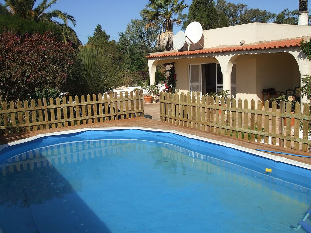 Gekippten Pool Reinigen Spacious Villa With Private Pool Large Gardens Set In 4 Hectares Budens