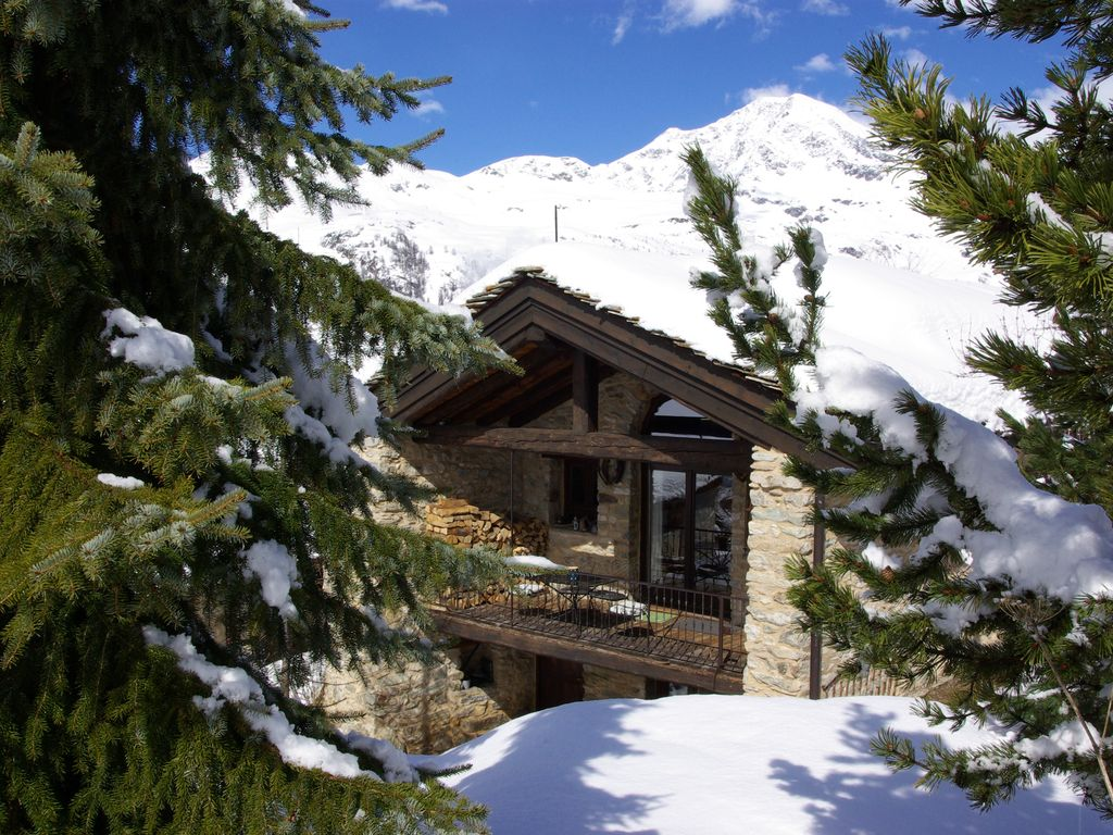 The Farmhouse Val D Isere Val D Isere Tignes Charming Ski Chalet Self Catering Rental