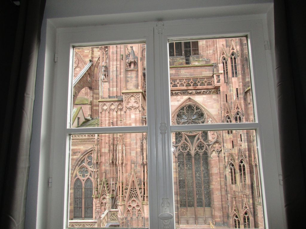 France Literie Strasbourg 4 Rooms Furnished 85m2 Cathedral Square Downtown Strasbourg City Centre Petite France