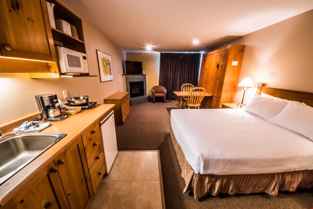 Superior Room Kitchenette At The Inn At B Homeaway