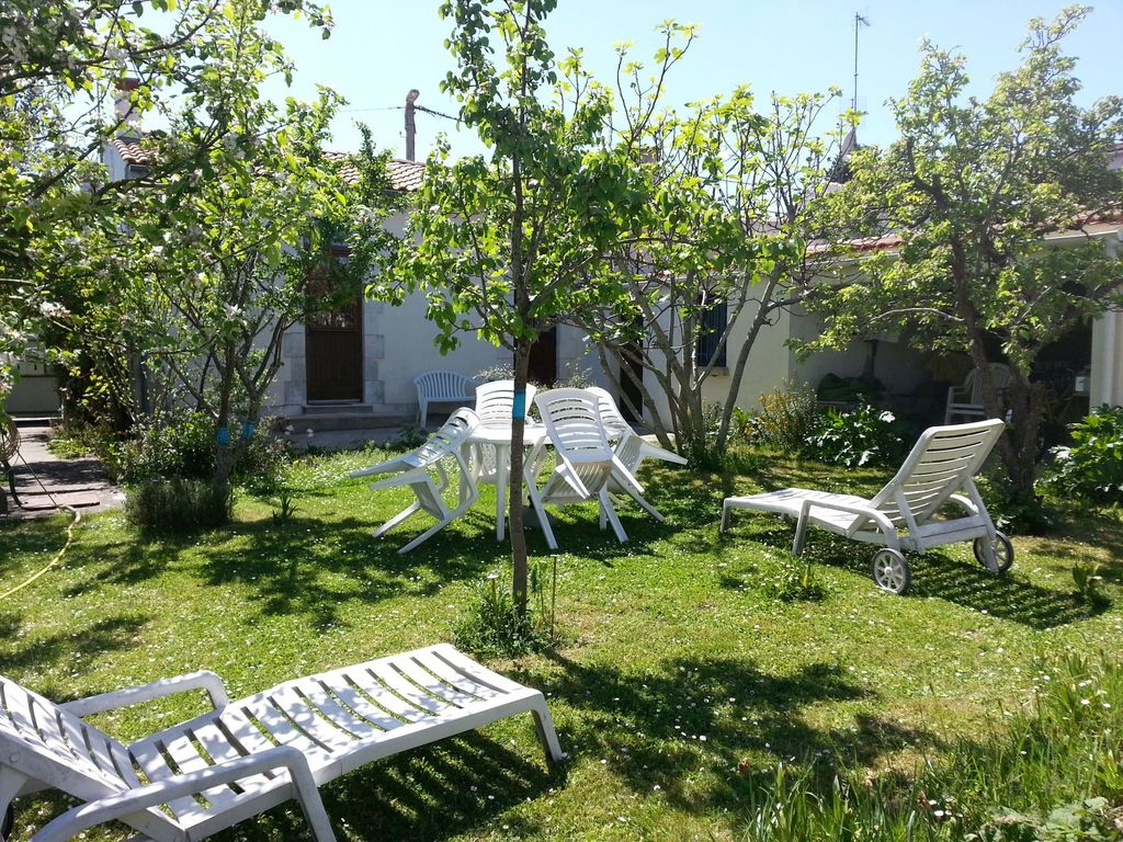 Garden Coffee La Rochelle Maisonette With Large Garden La Rochelle