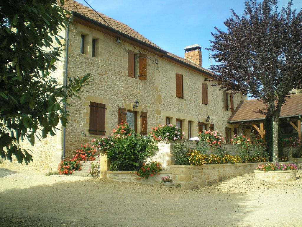 Garage Dans Le 91 Lodging For 6 People Ds Stone House Of The Country In Sarlat La Caneda Sarlat La Canéda