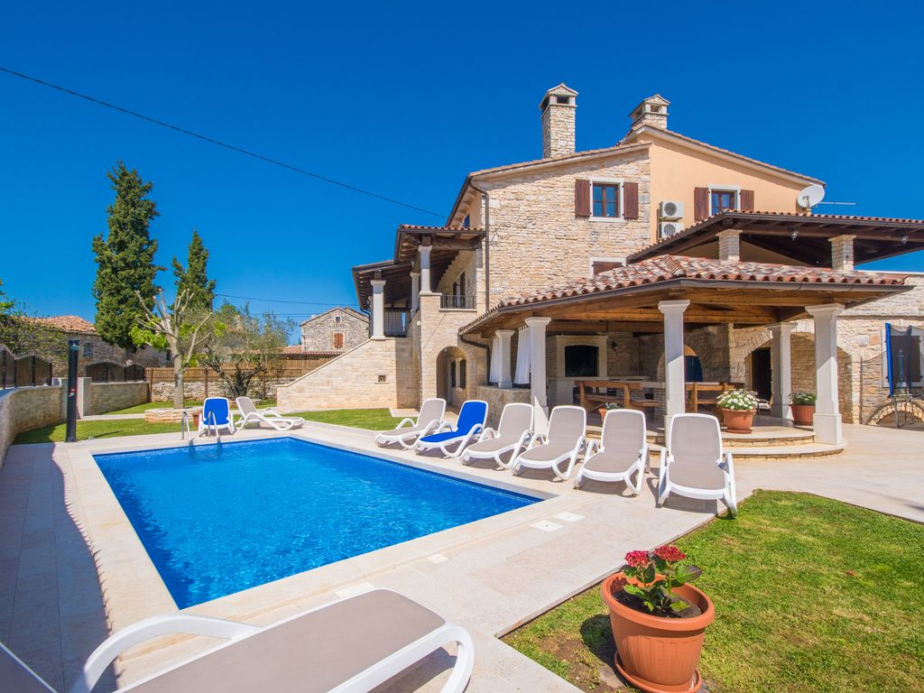 Pool Reinigen Nach Dem Sommer Spacious And Private Old Restored Villa W Pool Žminj