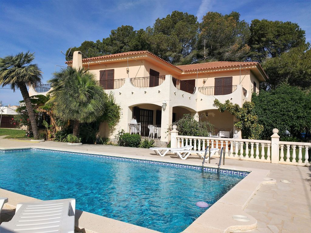 Hilvarenbeek Zwembad Detached Villa For 10 12 People Private Swimming Pool 100m From The Sea L Ametlla De Mar