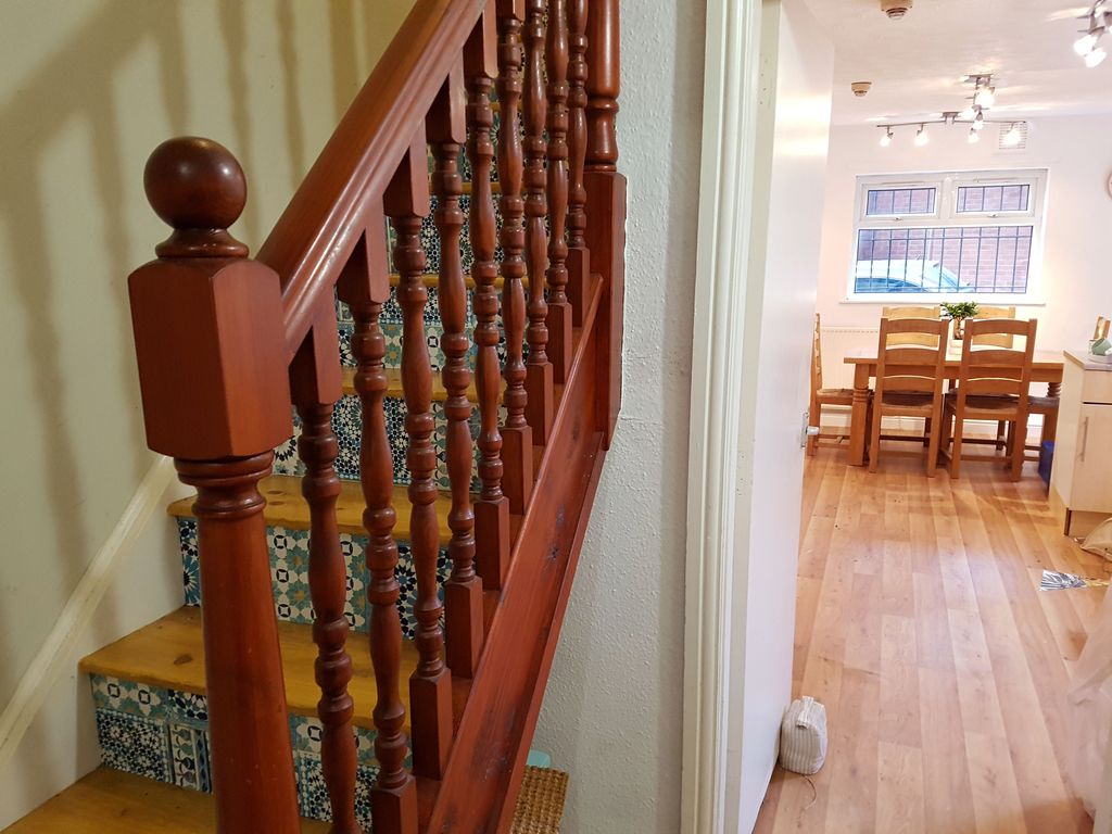 2 Bed Apartment Manchester Stairway To Heaven 2 Bed Apartment With Private Parking Chorlton