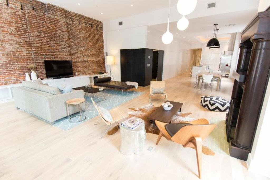 REDUCED WEEKDAY RATES! Private Luxury Loft Downtown/Steps from