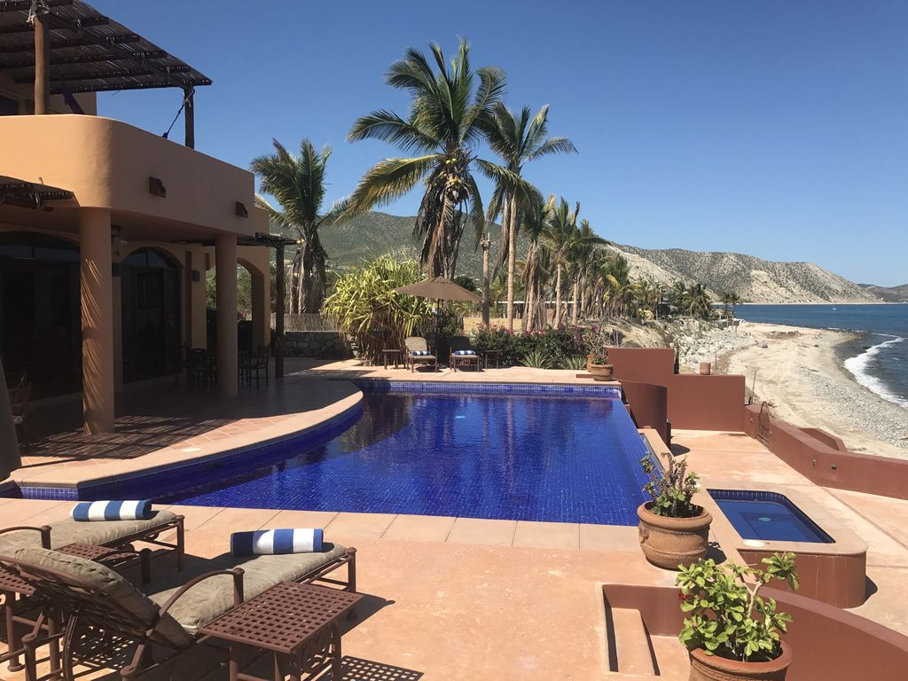 Jacuzzi Pool De Beachfront On The Sand W Infinity Edge Pool Jacuzzi Swimmer Friendly Beach Los Barriles