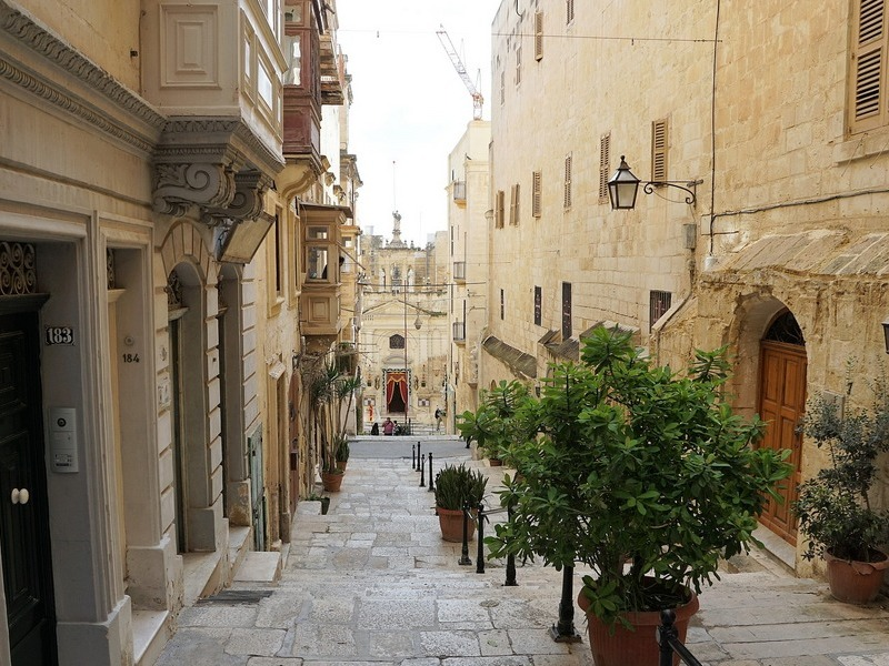 Valletta Food Tour Street