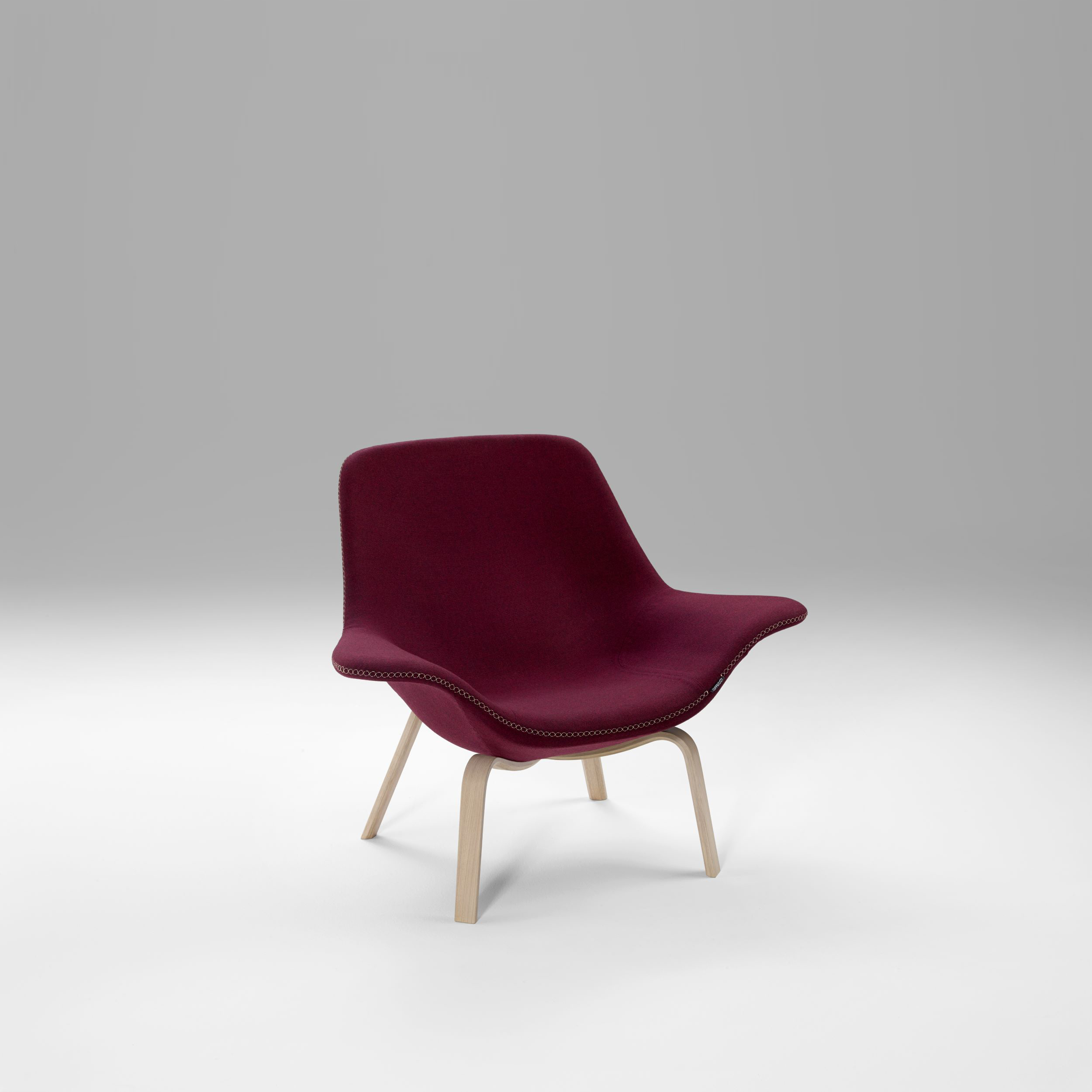 D Box Sessel Oyster Wood Low Easy Chair Design By Michael Sodeau Offecct