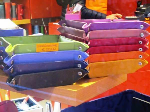 European Office Supplies Trend 2012\u2013 A Rainbow of Bright Colors