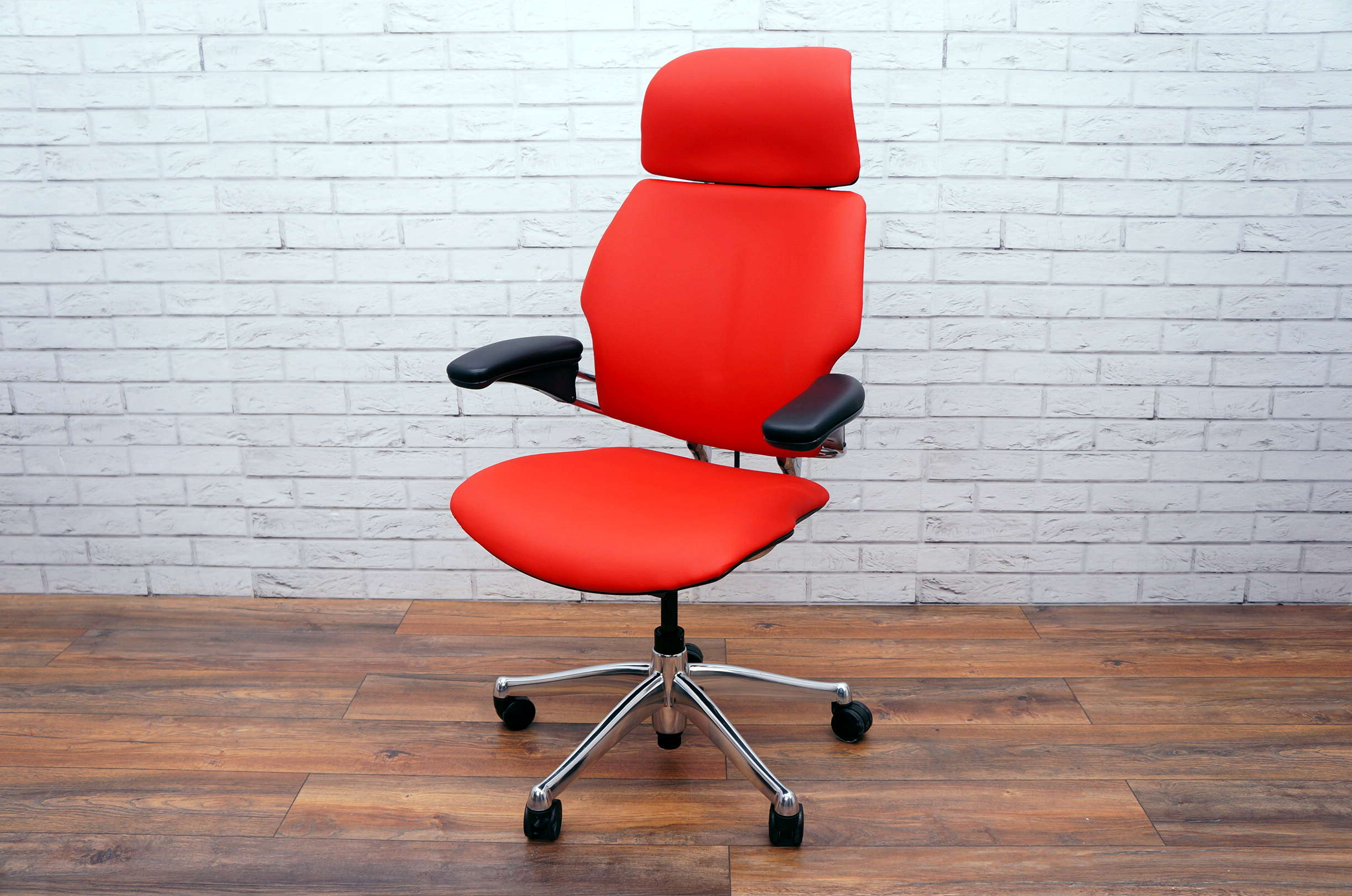 Freedom Furniture Head Office Executive Humanscale Freedom Chair With Headrest In Red Faux Leather