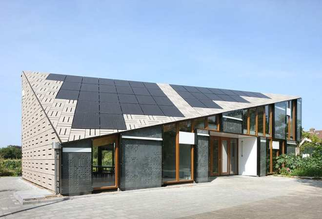 Architecture trends are constantly changing and are currently evolving toward sustainability thanks to innovative - and green focused - designers. The Nature and Environment Learning Centre Amsterdam is an example of one current trend - visible solar panels.