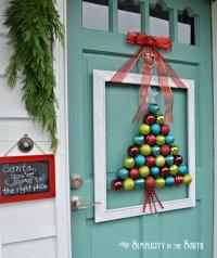 20+ Creative DIY Christmas Door Decoration Ideas