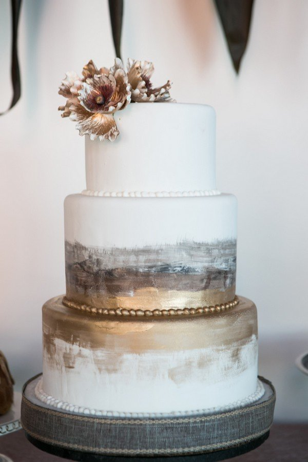 Industrial Design Regal Trending-15 Creative Metallic Wedding Cakes For 2018 - Oh ...