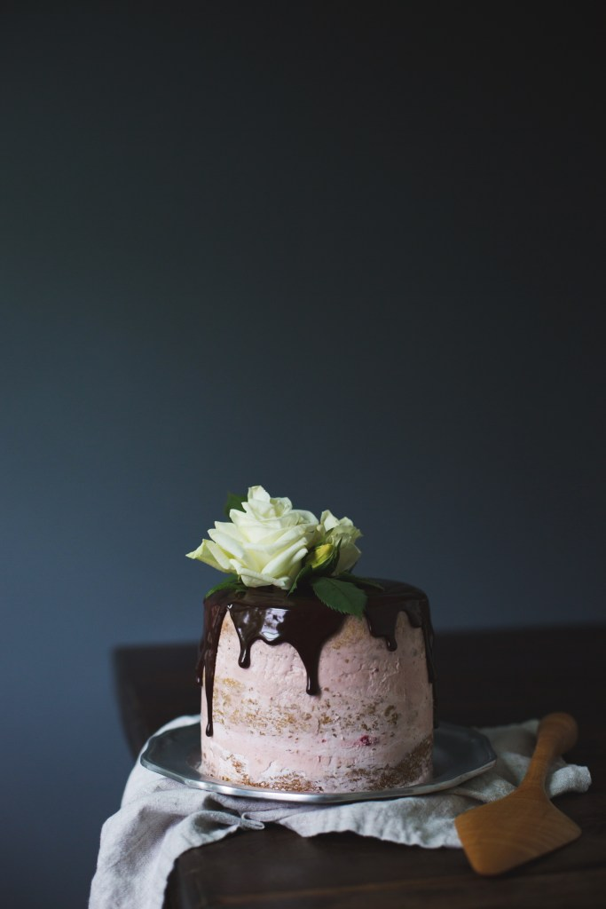 jasmine butter cake with raspberry jam buttercream and chocolate ganache // ohhoneybakes.com