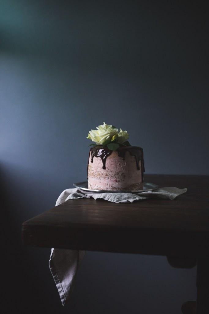 jasmine butter cake with raspberry jam buttercream and chocolate ganache // ohhoneybakes.com