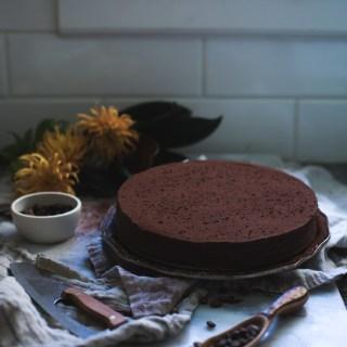 dark chocolate and bourbon cream fudge cake
