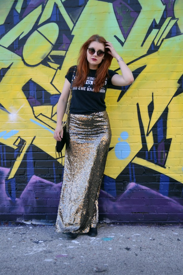Oh Julia Ann - Outfit - Gold Sequin Maxi Skirt with Graphic Band Tee and Booties summer look casual dressed down formal (5)