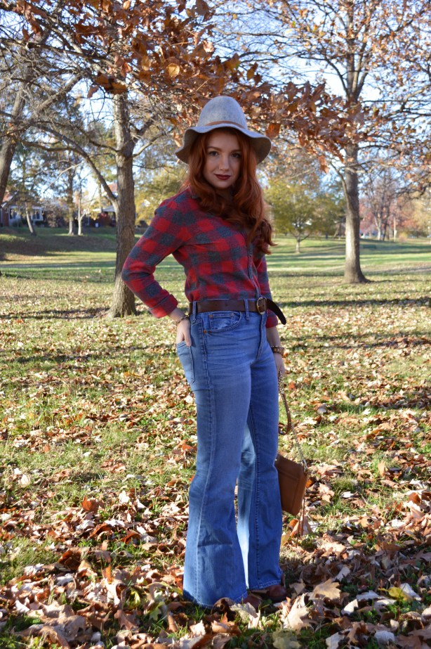 autumn-outfit-idea-buffalo-plaid-button-up-from-aeo-with-madewell-flea-market-flares