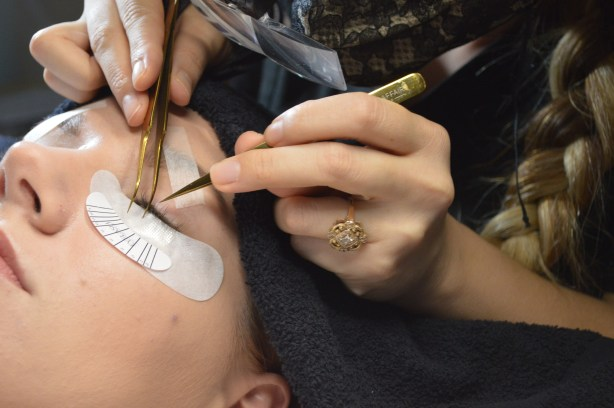 eyelash-extensions-review-and-faq-featuring-glow-studios-st-louis-oh-julia-ann-4