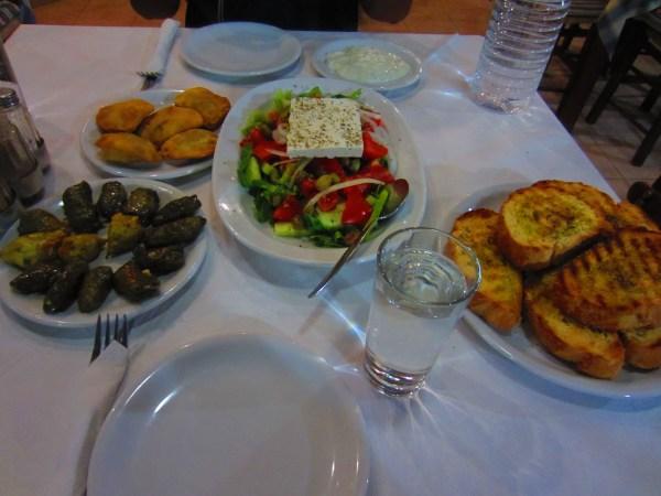 2013611 Cretan dinner2