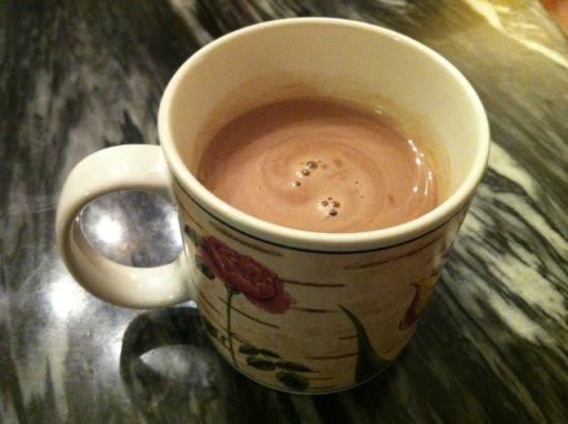 How to make paleo hot chocolate... it's yummier than normal hot chocolate!
