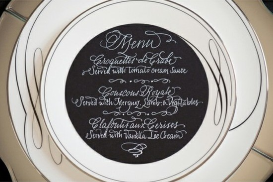 Black and White Round Wedding Menu 550x366 Wedding Details: Creative Menu Ideas