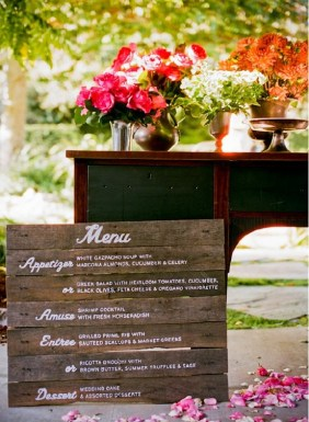 Rustic wood wedding menu idea 300x410 Wedding Details: Creative Menu Ideas