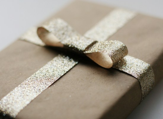 Gold Glitter Kraft Paper Gift Wrap 550x401 {happy holidays!}