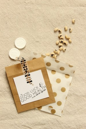 DIY New Years Eve Favors OSBP 9 DIY Tutorial: Cheeky New Years Eve Party Favors + Printable Tags