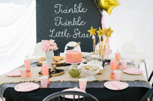 Twinkle Twinkle Little Star Party 6th Street Design School 600x399 Modern Takes on Classic Kids Party Themes
