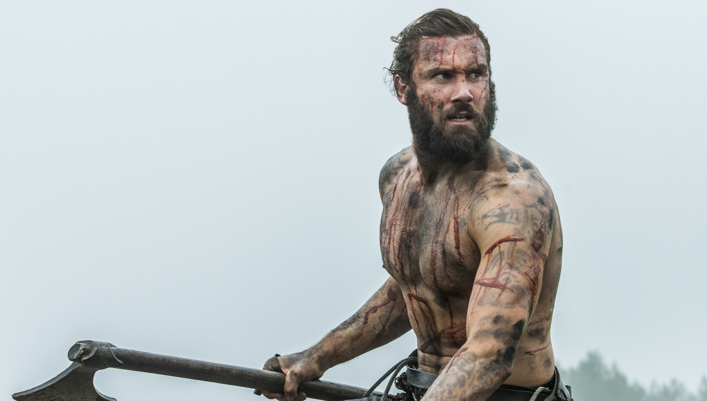 Rollo Bad Inside Scoop Clive Standen Talks Rollo 39s Future In