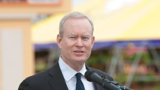 4 Mayor Mick Cornett wide 11mh.tif