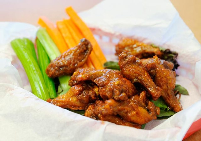 Wings in Honey Love sauce at Wing Supreme (Garett Fisbeck)