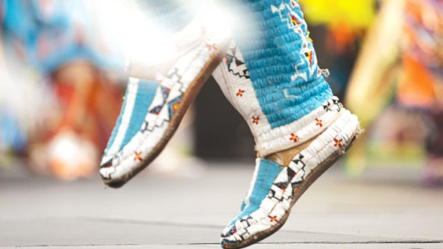 Beaded-Mocassins-at-the-Red-Earth-Festival