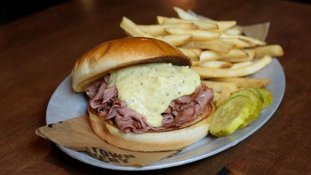 Hot bologna sandwich | Photo Garett Fisbeck