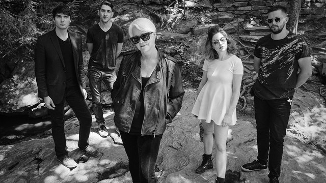 Cindy Wilson and her touring band (Photo Sean Dunn / provided)