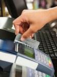 チップもカードで支払える!?海外クレジットカード決済方法