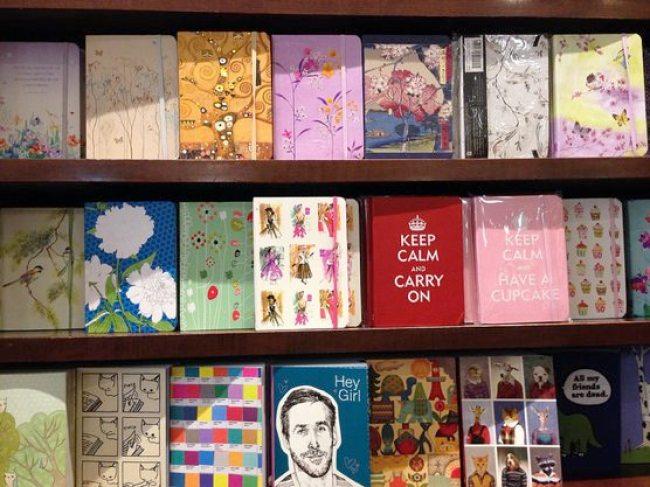 バーンズ・アンド・ノーブル Barnes & Noble 本屋