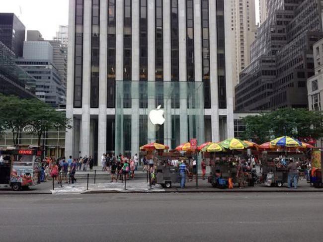 ニューヨーク 24時間営業 アップルストア