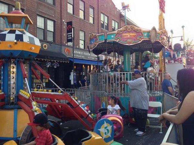 ニューヨークアストリアの小さなお祭り 子供の遊び場