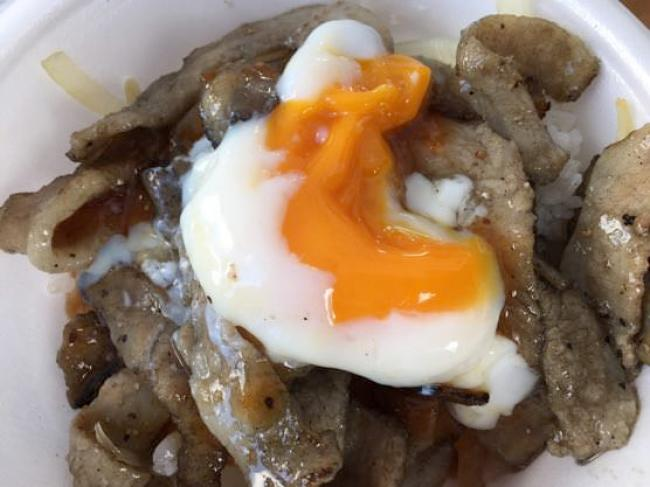 沖縄グルメ頂上決戦炙り丼