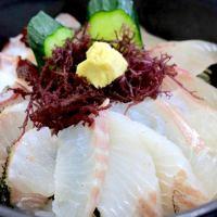 サーモンやイクラはのりません。こだわりの地産地消。糸島産の海鮮丼が新鮮すぎる!