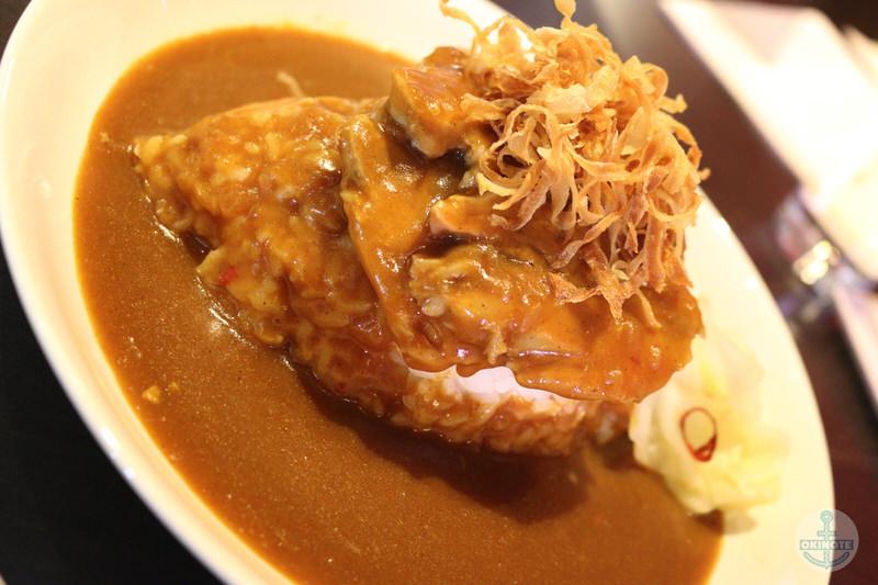 淡路島カレー『西食堂』のスタウトポークカレー