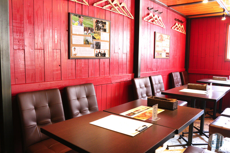 淡路島カレー『西食堂』沖縄・国際通りの内観