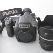 Camera Pentax 645Z Body with Pentax Lensa 55mm